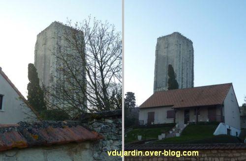 Le donjon de Loudun, 4, un pavillon hideux construit au pied du monument classé monument historique
