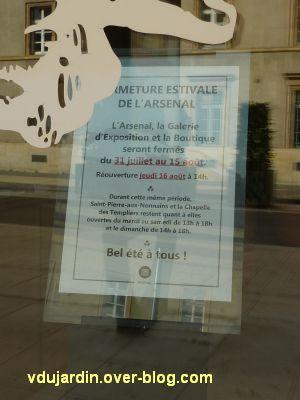 Metz, Cyrille André, 10, à l'arsenal, affiche fermée