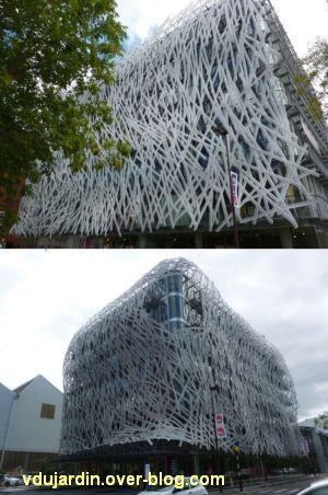 Au centre de l'île de Nantes, 2012, 04, le bâtiment Manny