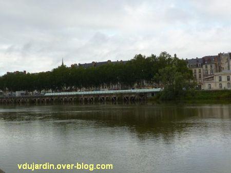 Le mémorial de l'esclavage à Nantes, 1, vu depuis l'île de Nantes