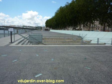 Le mémorial de l'esclavage à Nantes, 2, vu depuis le quai de la Fosse