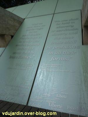 Le mémorial de l'esclavage à Nantes, 5, détail des dalles
