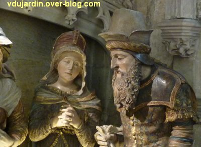 Mise au tombeau du 16e siècle à Notre-Dame-la Grande à Poitiers, 5, sainte femme et Nicodème à droite