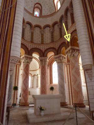 Chauvigny, église Saint-Pierre, chapiteau de l'Apocalypse, 01, positionnement