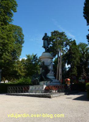 Louis Pasteur à Dole, 04, monument dans le parc