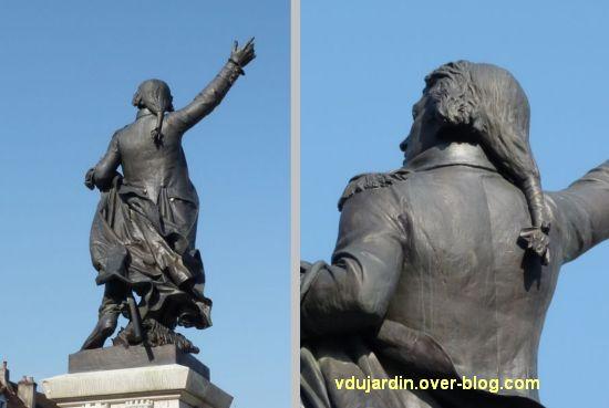 Lons-le-Saunier, monument à Rouget-de-l'Isle, 09, deux vues de dos