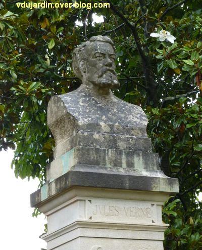 Jules Verne au jardin des plantes de Nantes, 7, le buste refait