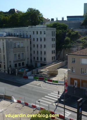 Poitiers, passerelle des Rocs, 1, fin juin 2012, démolition du dernier tronçon
