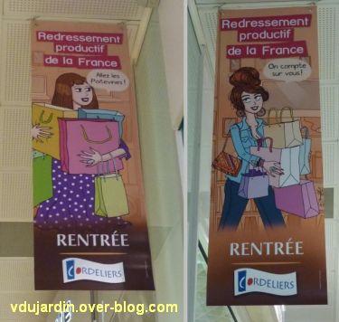 Publicité du centre commercial des Cordeliers à Poitiers, pour le redressement productif de la France