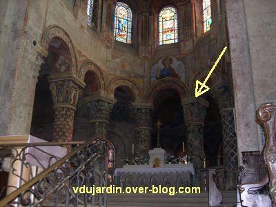 Poitiers, église Sainte-Radegonde, le choeur et la position du chapiteau avec Adam et Eve
