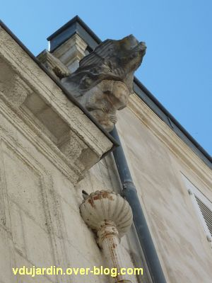La Rochelle, maison Henri II, 11, gargouille sur la rue