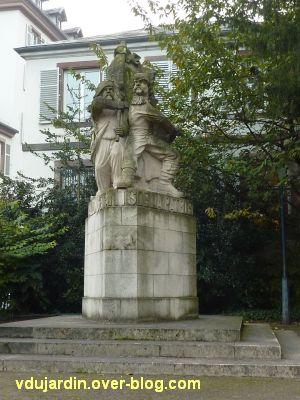 Strasbourg, monument à la Marseillaise, 1, vue éloignée de face