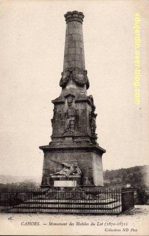 Cahors, monument aux mobiles du Lot (morts de 1870), carte postale ancienne