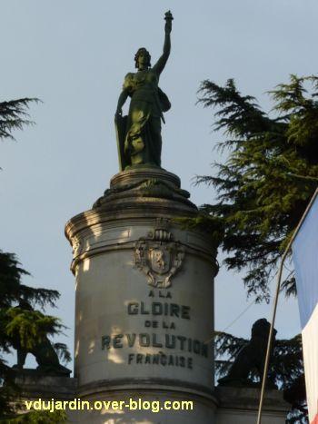 Châtellerault, monument à la révolution et aux morts de 1914-1918, 06, la Révolution