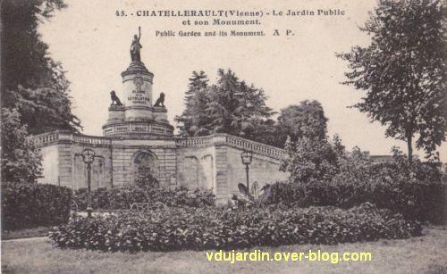 Châtellerault, monument à la révolution et aux morts de 1914-1918, 01, carte postale ancienne