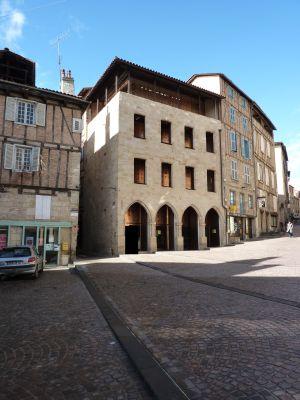 Façade du musée Champollion à Figeac