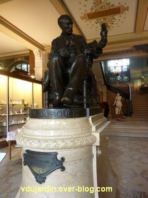 Le monument à Adrien Dubouché à Limoges, 1, vue générale