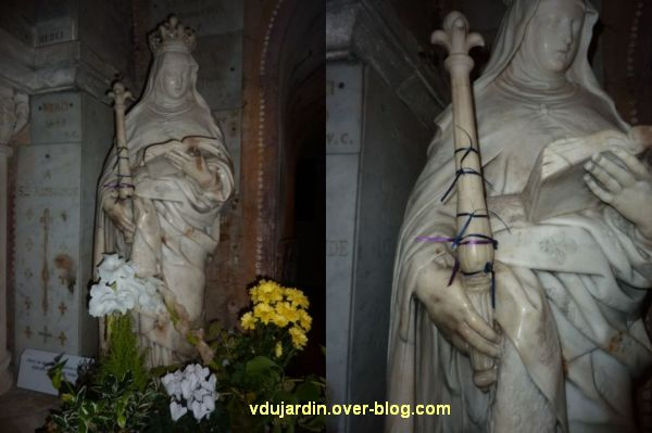 Anne d'Autriche en Radegonde (Poitiers, église Sainte-Radegonde) avec des rubans sur son sceptre
