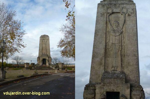 Angoulême, monument aux morts de 1914-1918, 1, vue de loin et de la République