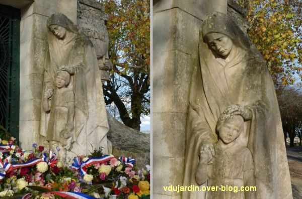 Angoulême, monument aux morts de 1914-1918, 5, la femme et la fillette, de loin et de près