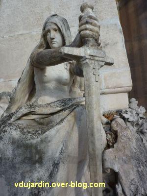Le monument aux mobiles de la Charente à Angoulême, 4, la République vaincue