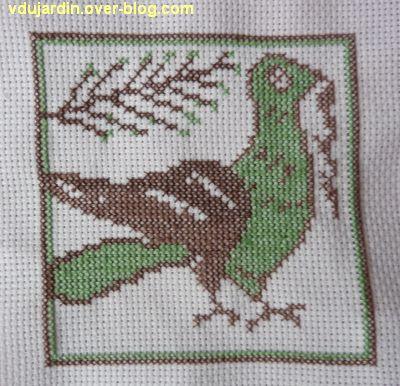 Carreau médiéval avec un oiseau, 2, marron et vert