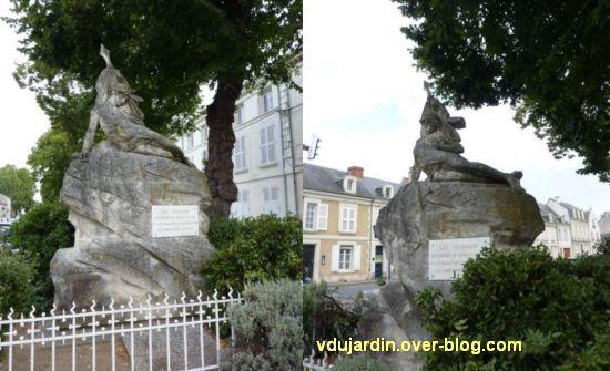 Châtellerault, monument aux morts de 1870, 2, deux vues de loin