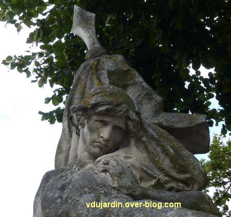 Châtellerault, monument aux morts de 1870, 4, détail de la tête
