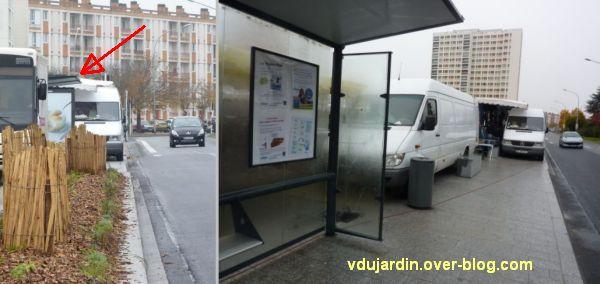 Poitiers, novembre 2012, 05, arrêt de bus à la ZUP, danger pour les piétons