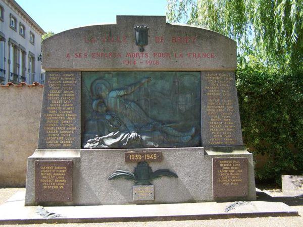 Monument aux morts de Briey, l'ensemble du monument