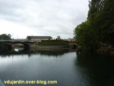 Niort, les ponts Main vus de plus près