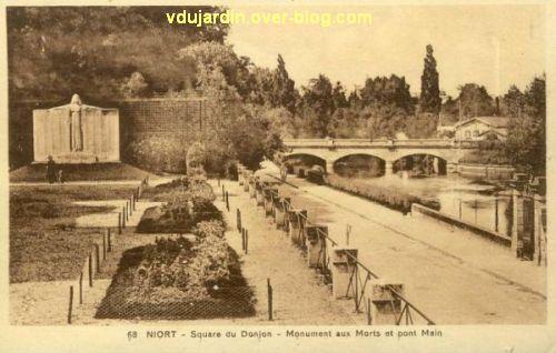 Niort, le monument aux morts de 1914-1918 par Poisson, 1, vue ancienne avec les ponts