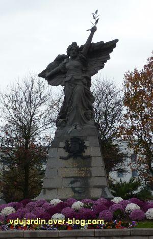 Les Sables-d'Olonne, monument aux morts de 1914-1918, 1, vue générale