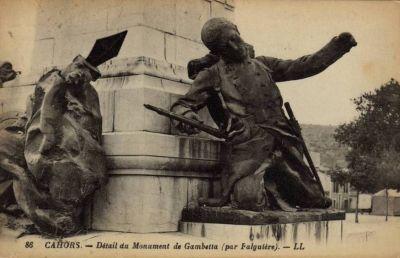 Gambetta par Falguières à Cahors, 4, carte ancienne avec soldat mourant