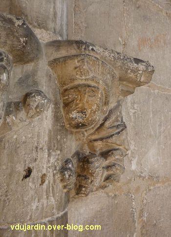Cloître de la cathédrale de Cahors, chapiteau du pèlerin, 2, le pèlerin
