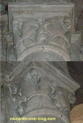 Chauvigny, chapiteaux romans de l'église Notre-Dame, 4, lions affrontés