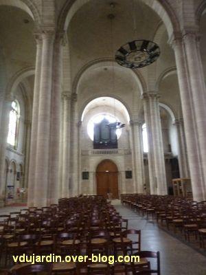 Niort, église Saint-Hilaire, 07, vue intérieure vers l'orgue