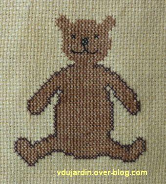 Un ours brodé pour noël 2012