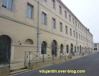 Poitiers, l'ensemble de l'ancien Ensma qui abrite le Dietrich et une salle de gym