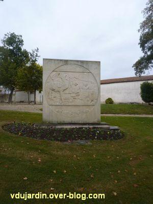 Saint-Jean-d'Angély, la croisière noire de Audouin-Dubreuil, 1, le monument