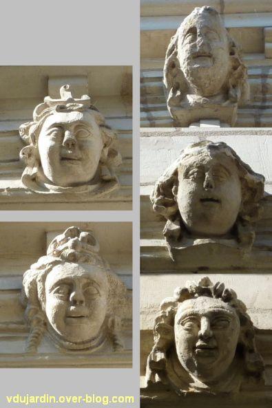 Tours, rue Paul Louis Courier, 04, visages sur l'hôtel particulier