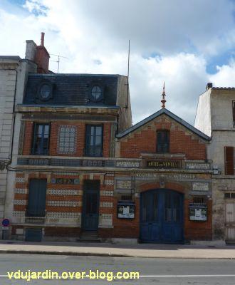 Niort, l'hôtel des ventes, 1, la façade