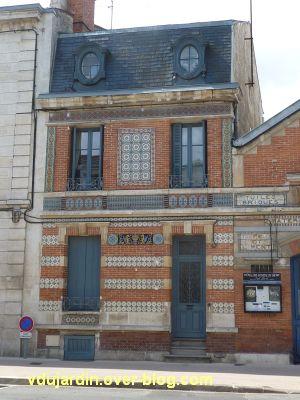 Niort, l'hôtel des ventes, 2, détail de la façade