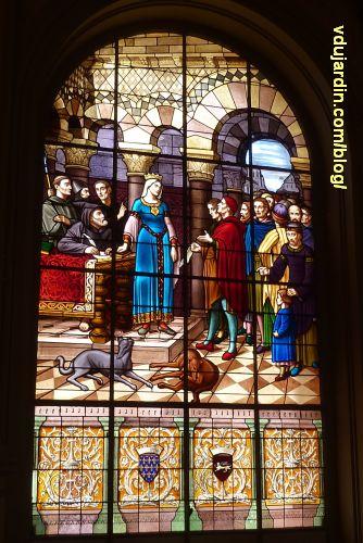 Poitiers, hôtel de ville, Aliénor remet la charte de la ville aux échevins, 1, vue générale
