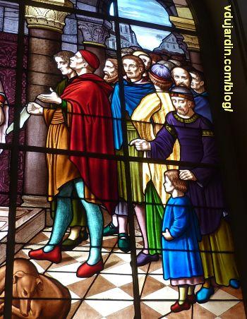 Poitiers, hôtel de ville, Aliénor remet la charte de la ville aux échevins, 4, les échevins