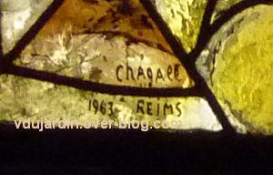 Cathédrale de Metz, vitrail de Marc Chagall, le Paradis terrestre, 2, signature Chagall Reims 1963