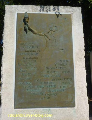 Monument de la résistance de La Rochelle, la stèle avec le nom des camps de concentration