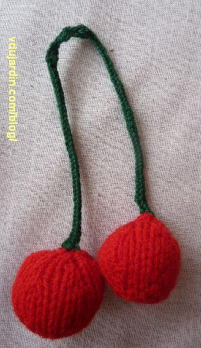 Deux cerises au tricot