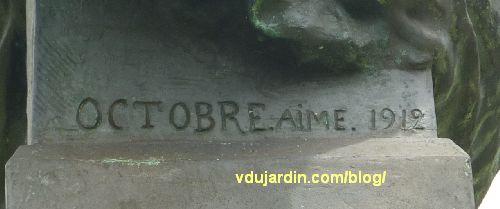 Le monument au père de la Croix, parc de l'hypogée des dunes à Poitiers, signature Aimé Octobre 1912
