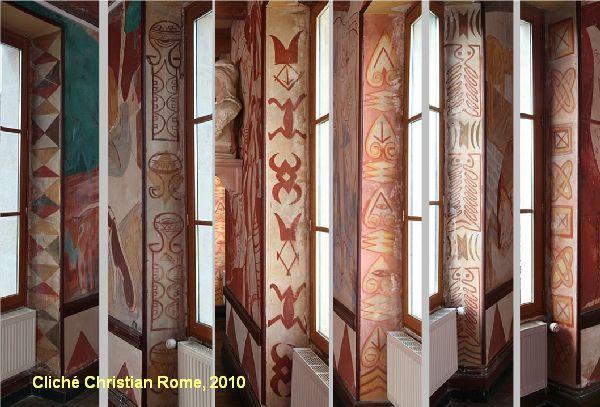 Mairie de Montreuil-Bonnin, ébrasements des portes-fenêtres, motifs géométriques et ethniques